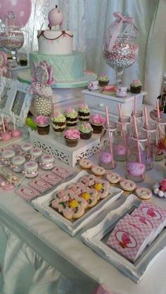 Amazing desserts at a shabby chic birthd… Amazing desserts at a shabby chic birthday party! See more party ideas at. Cumpleaños Shabby Chic, Shabby Chic Birthday Party Ideas, Baby Birthday, Birthday Parties, Quince Decorations, Table Decorations, Festa Party, Dessert Buffet, Dessert Bars