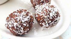 Low Carb Rezept für Low-Carb Schoko-Protein-Mandel-Bällchen. Wenig Kohlenhydrate und einfach zum Nachkochen. Super für Diät/zum Abnehmen.