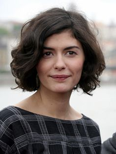 Audrey Tautou. Love her bob. Wouldn't hurt to have her face, either.