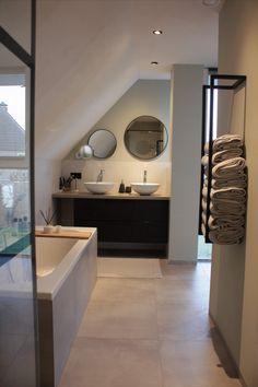 Attic Bathroom, Bathroom Toilets, Contemporary Baths, Bathroom Design Inspiration, Bathroom Design Luxury, Gouda, House Goals, Decoration, Building A House