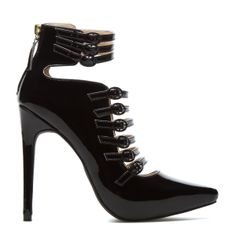 ShoeDazzle! Style. Personalized. http://www.shoedazzle.com/invite/is3yy0zyp