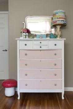 This vintage dresser