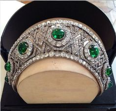 a newly acquired image of the Bolin kokoshnic which went through many royal hands. Starting with Tsarina Maria Alexandrovna of Russia; then her daughter-in-law, Grand Duchess Ella. Later it passed onto the Romanian royal ladies, before having it's trade mark emeralds removed by Van Cleef & Arpels