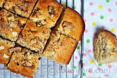 Deliciously soft spelt blondie cake with nuts the whole family will enjoy. It is easy to prepare and even easier to consume. It can make for a great breakfast or as a coffee des... Vegan Treats, Sweet Desserts, Blondies, Salmon Burgers, Stevia, Banana Bread, Smoothie, Muffin, Food And Drink