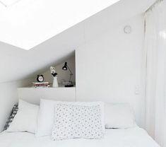aménagement-sous-pente-chambre-moderne