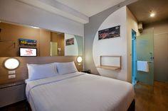 Tune Hotel Room Bangkok. @youngdumbandfun