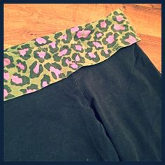 VICTORIA SECRET PINK Camo yoga Capri pants small VICTORIA SECRET PINK Camo yoga Capri pants small- pre-owned- good condition. Camouflage and pink. Light fading PINK Victoria's Secret Pants Leggings