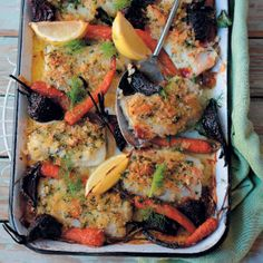 The Fish and Veg Tray Bake is delicious and flavourful packed with a crunch. Fun Baking Recipes, Cooking Recipes, Perfect Food, One Pot Meals, Winter Food, Tray Bakes, Tandoori Chicken, Seafood Recipes, Vegetable Pizza