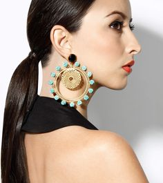We love teaming our traditional Indian outfits with modern ethnic accessories, like these stunning earrings from Maira - Indian wedding - Indian bride - Indian wedding accessories - bridal accessories- Indian wedding jewellery Bridal Accessories, Jewelry Accessories, Fashion Accessories, Indian Wedding Jewelry, Bridal Jewelry, Fashion Earrings, Fashion Jewelry, Pinterest Jewelry, Bling