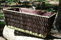 Another interesting use for paper beads: make a basket (no tutorial, just for inspiration)
