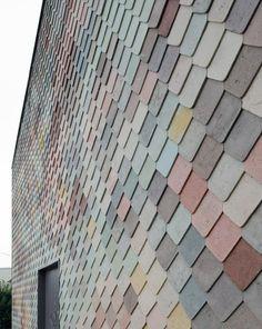 Yardhouse, Londra, 2014 - Assemble Mooie kleurschakeringen in verschillende tegels.