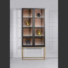 Glass case made by Novelle Home Couture in LUX VINTAGE style.