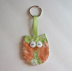 How to Make Owl Keychains | cute fabric scrap owl. easy to make keychain