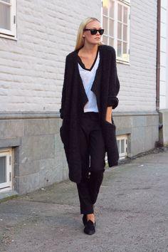 Jeanett Olsen _all black