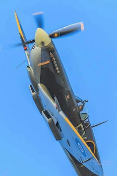 Ww2 Aircraft, Fighter Aircraft, Military Aircraft, Fighter Jets, Spitfire Supermarine, Propeller Plane, Old Planes, The Spitfires, Luftwaffe