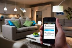 Philips will begin selling its high-tech Hue LED light bulbs exclusively in Apple stores from tomorrow. Hue light bulbs are fully customizable, and offer up a choice of 16 million colors by. Lighting System, Cool Lighting, Custom Lighting, Sem Internet, Internet Of Things, Philips Hue App, Phillips Hue, Smart Home Technology, Tech House