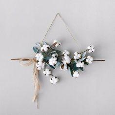 5 Easy DIY Winter Wreaths #diywreaths #winterwreaths #christmaswreaths #scandinavian 07