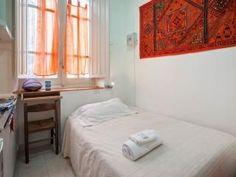 Camera con letto a una piazza e mezzo € 40 .