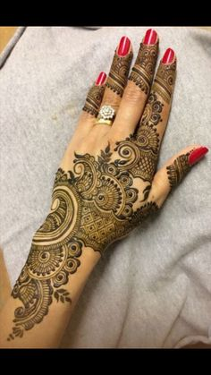 Many stylish Henna Design that will captivate your heart and mind. Come on, celebrate the beauty of Henna Design Designs - lace netted, peacocks, geese, Dulhan Mehndi Designs, Latest Bridal Mehndi Designs, Mehndi Designs For Girls, Mehndi Designs For Beginners, Modern Mehndi Designs, Mehndi Design Pictures, Wedding Mehndi Designs, Beautiful Henna Designs, Latest Mehndi Designs