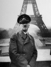 Ante la derrota de los ejércitos Aliados en la Batalla de Francia, se firma el armisticio el 22 de junio de 1940 en Campiègne. El norte y oeste de Francia fueron ocupados por el ejército alemán, el tercio restante estaba regido por un gobierno francés con sede en Vichy. Alsacia y Lorena  se anexionaron al Tercer Reich.
