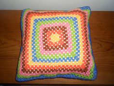 Almofada square...conjugar cores é viciante!!!
