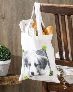 """Individuelle Stofftasche mit Fototransfer (Idee mit Anleitung – Klick auf """"Besuchen""""!) - Wer möchte schon eine Plastiktüte, wenn man so eine tolle Einkaufstasche haben kann! Das passende Lieblingsfoto kommt auf die Tasche und schon wird sie zum Lieblingsstück!"""