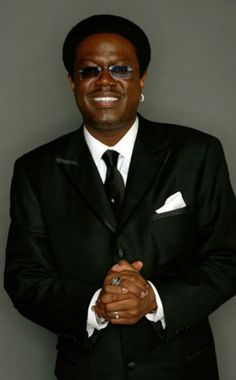 Bernie Mac: not just a great comic, but a truly Catholic comic, managing to not be vulgar while engaging serious life issues---genius in action Black Actors, Black Celebrities, Celebs, Famous Comedians, Bernie Mac, Man Humor, Famous Faces, Gorgeous Men, Beautiful
