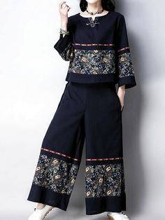 Arizona Co-Ords Sleeve type: Full Sleeves Material: Linen & Cotton Process: Print Two Pieces Wearable in: Autumn Soft Thin Non-stretchable Muslim Fashion, Hijab Fashion, Fashion Dresses, Stylish Dresses, Casual Dresses, Types Of Sleeves, Full Sleeves, Dress Trousers, Pants
