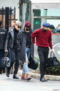 Jimin, Jungkook and V ❤ BTS Music Bank Arrival #BTS #방탄소년단