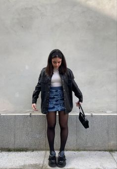 Dope Fashion, 90s Fashion, Fashion Outfits, Cute Skirt Outfits, Trendy Outfits, Aesthetic Clothes, Look, Winter Fashion, How To Wear