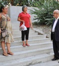 Beykoz'un tarihi ve turistik semti, yılın dört mevsimi yerli ve yabancı konukların uğrak noktası olan Kanlıca, Beykoz Belediyesi'nin tamamladığı alt ve üst yapı çalışmalarıyla artık ziyaretçilerini daha bir keyifle ağırlıyor. Kanlıca'ya el sanatları çarşısı ve İSMEK kurs...