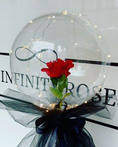 """THE INFINITY ROSES ROMANIA™ on Instagram: """"➖100RON➖"""" Infinity, Christmas Bulbs, Roses, Holiday Decor, Box, Instagram, Manualidades, Infinite, Snare Drum"""