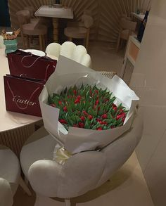 Blue Aesthetic Pastel, Flower Aesthetic, Tulip Bouquet, Luxury Lifestyle Women, Luxury Flowers, All Things Cute, Flowers Nature, Pretty Flowers, Diy Painting