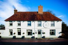 The Milk House, Sissinghurst  offers cask ales from Kentish breweries and a wide selection of wines that include offerings from the area's renowned vineyards. The Dining Room has a varied menu with food freshly prepared using seasonal produce from local suppliers.