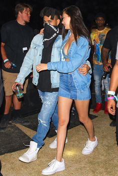 Bella Hadid & The Weeknd Couple Up at Coachella 2016 : Photo Bella Hadid and her boyfriend The Weeknd hold onto each other as they head through the 2016 Coachella Music Festival on Saturday night (April in Palm Springs,… Coachella 2016, Coachella Looks, Bella Hadid Estilo, Style Bella Hadid, Bella Hadid Nike, Kendall Jenner, Kylie, Zoe Kravitz, Kaia Gerber