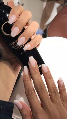 The manicure that lasts longer than gels: Dip Powder Nails - N .- Die Maniküre, die länger hält als Gele: Dip Powder Nails – Nagellack – The manicure that lasts longer than gels: Dip Powder Nails – Nail Polish – - Cute Acrylic Nails, Cute Nails, Pretty Nails, Natural Acrylic Nails, Acrylic Nail Shapes, Natural Manicure, Acrylic Nails Almond Short, Shapes Of Nails, Almond Gel Nails