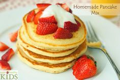 Homemade Pancake Mix | Super Healthy Kids - Whip up this simple homemade pancake mix and quickly make good pancakes anytime! Looks so easy and so yummy!