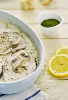 Receta 593: Rodajas de merluza al horno con salsa de crema y champiñones » 1080 Fotos de cocina