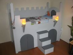 Ridderbed,compleet,je kan onder het bed spelen en rotzooi zetten. met kast,ook in ridderstijl. 375.00 marktplaats Advertentie 648509124