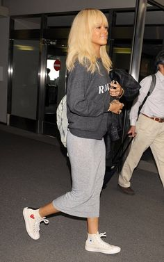 Rihanna-Rodarte-Sweater-Comme-des-Gracons-Sneakers-2