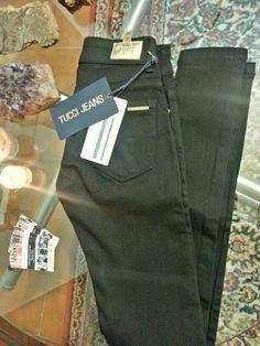 Jeans Tucci de todos los talles y modelos.  Jean tucci negro, chupin, elastizado.  Pedidos al 15-6871-4798 Buenos Aires, Martinez.