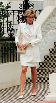 Her latter style during the 90's was definitely a paring down of the frills and flounces of the 80's. Yet we loved it all. All the detail.