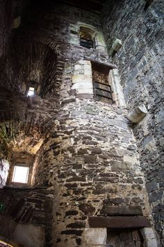 Doune Castle, Scotland ~ Filming Location for Winterfell in Game of Thrones, Outlander, and Monty Python Chateau Medieval, Medieval Castle, Scotland Castles, Scottish Castles, European Road Trip, European Travel, Outlander, Castle Ruins, Abandoned Places