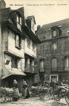 Bretagne ~ Quimper :Vieilles Maisons de la place Medard-Les laitières
