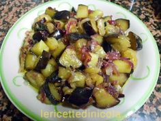 Melanzane in agrodolce. - YouTube Kung Pao Chicken, Veggie Recipes, Sprouts, Potato Salad, Potatoes, Vegetables, Cooking, Ethnic Recipes, Desserts