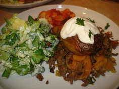 30 minute beef hash with baked potatoes, green goddess salad and butter beans - BigSpud Fish Recipes, Appetizer Recipes, Beef Recipes, Jamie Oliver 30 Minute Meals, Jamie's 30 Minute Meals, Mince Dishes, A Food, Food And Drink, Bacon Fries