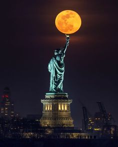 Statue of Liberty Full Moon Photo by Peter Alessandria — National Geographic Your Shot Liberty Wallpaper, Full Moon Photos, Shoot The Moon, New York Pictures, Beautiful Moon, Dream City, City Photography, New York Travel, National Geographic