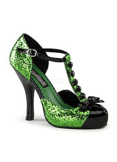 The bad witch's shoes? I'm thinking it should be so...Wicked Witch of the West from Wizard of Oz costume shoes. #badwitch #wickedwitchcostume #witchcostume #wizardof oz