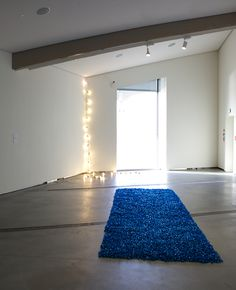 Felix Gonzalez-Torres Good Morning America Cast, Felix Gonzalez Torres, Appropriation Art, Consumer Culture, American Artists, Mirror, Home Decor, Decoration Home, Room Decor