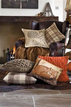 Pocket Knit Cushion im Next UK Online-Shop kaufen - Adventskranz ideen My Living Room, Living Room Decor, Living Spaces, Autumn Room, Autumn Interior, Cosy Home, Cosy Corner, Trendy Home, Soft Furnishings